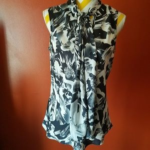 Black and white Nine West top